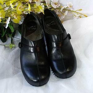 Dansko shoes clogs black